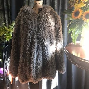 Madden Girl Fun Fuzzy Jacket Gray Size 2xl